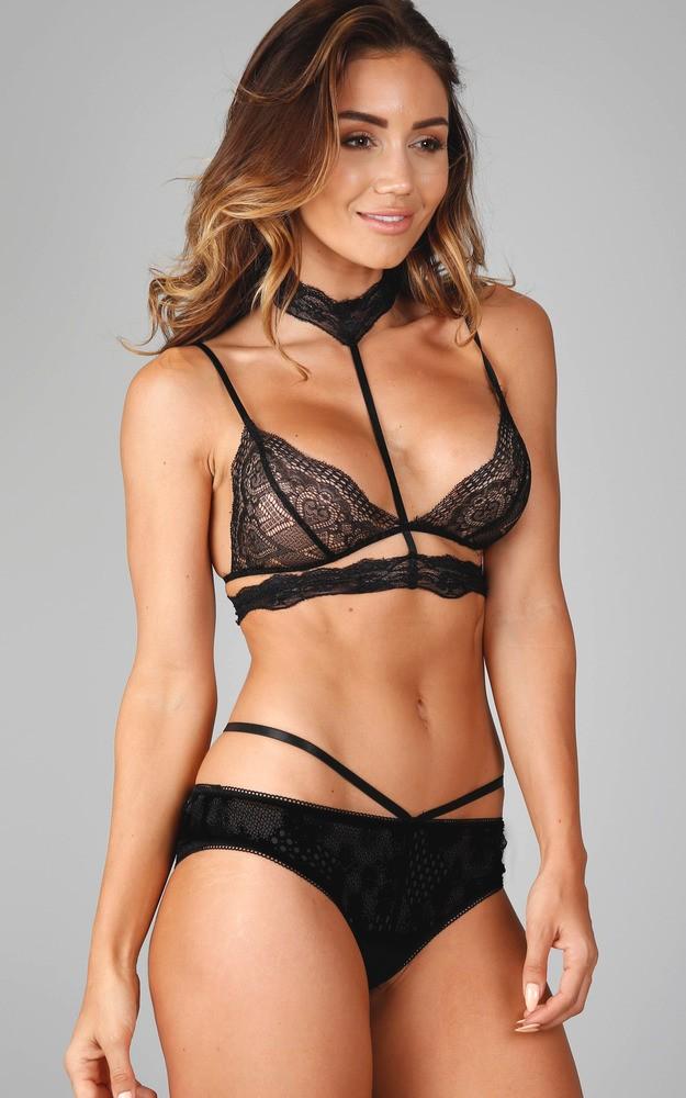 /b/e/be_your_favourite_bralette_in_black_lace_tn.jpg