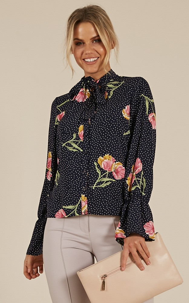 /d/o/dont_rush_top_in_navy_floralro.jpg