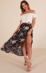 Back To Life skirt in navy floral