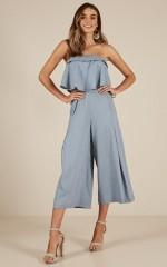 Dreaming Dynasty jumpsuit in blue linen look