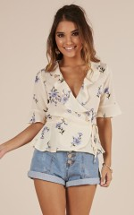 Blooming Hearts top in cream floral