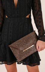 Intensely Shining clutch in bronze