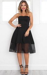 Picture Perfect Dress in black