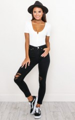 Tammy Skinny Jeans in Black Denim