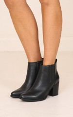 Therapy Shoes - Creston Boots in burnished black