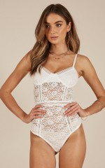 Emotions bodysuit in white lace