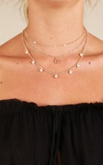 Shout Out necklace in gold