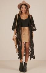 Off The Grid kimono in black