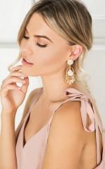 Crisis earrings in gold