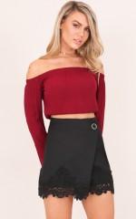 Stun And Strut skirt in black