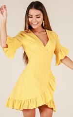 Balmy Night dress in yellow linen look