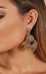 Beat As One earrings in gold
