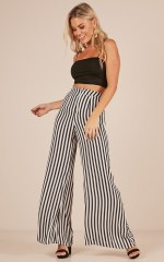 Go Unnoticed pants in black stripe