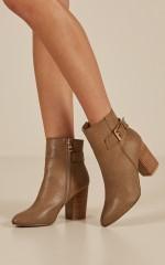 Billini - Jamie boots In Dark Taupe