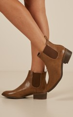 Lipstik - Rossa boots in tan