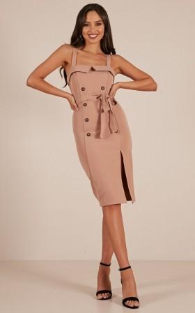 Carmenita dress in tan