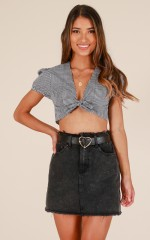 Girl hunt crop top in black gingham