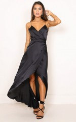 The Countess dress in black