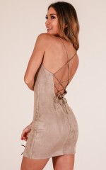 Underrated dress in taupe suedette