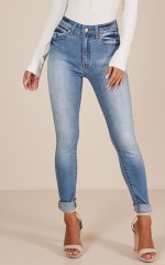 Shay skinny jeans in light wash