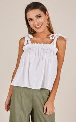 Chain Reaction top in white