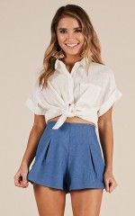 Keep It Moving shirt in white linen look