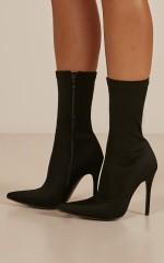 Therapy - Sarita Boots in black