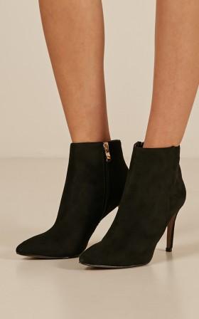 Billini - Nada boots in black micro