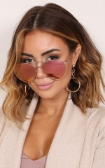 Quay - Indio sunglasses in gold and pink