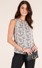 Chasing Stars top in beige print