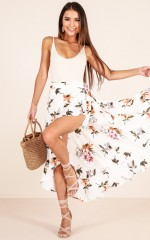 Drifting Away skirt in white floral