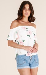 Follow Your Dreams top in white floral