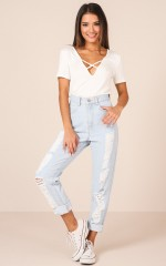 Laura Jeans in Light Wash Denim