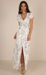Easy Day Maxi Dress white floral