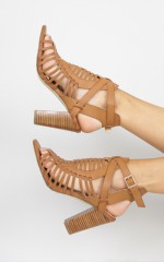 Verali - Celeste Heels in tan action