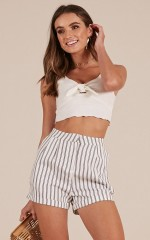 Day Rate shorts in white stripe
