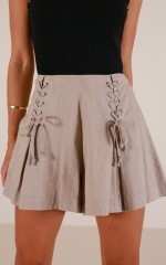 Tuscany shorts in taupe