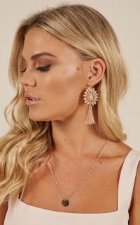 Fire In Me earrings in blush