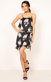 Coastline Dress In Black Floral