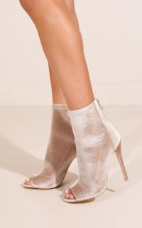 Billini - Giselle Boots in champagne velvet