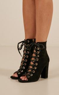 Billini - Brinnie boots in black micro