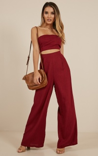 Cut the Rope jumpsuit in wine linen look