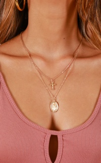 Ready For It necklace in gold