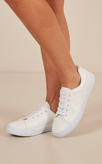 Reba Sneakers In White