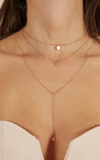 Cant Stop Now necklace in gold