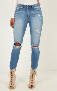 Sandra Skinny Jeans in mid wash denim