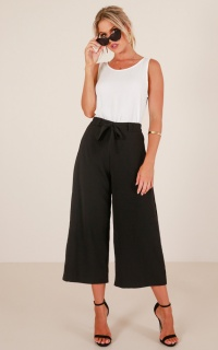 Feel Alive pants in black