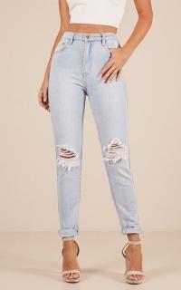 Melissa Mum Jeans In Light Wash