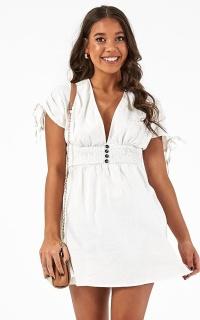 You Go Girl Dress In White Linen Look