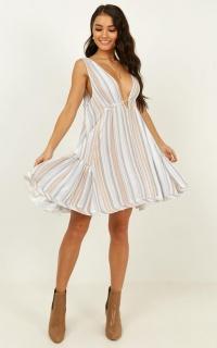 Urban Muse Dress In Multi Print